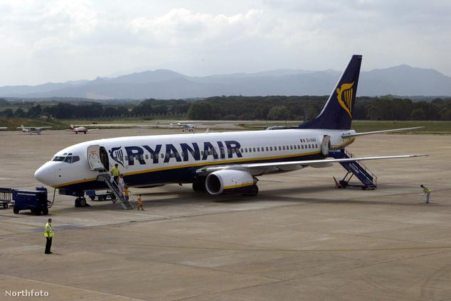 Ryanair gép a gironai (Barcelona) reptéren