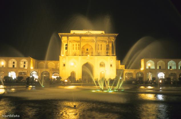 Az Ali Kapu palota Iszfahánban