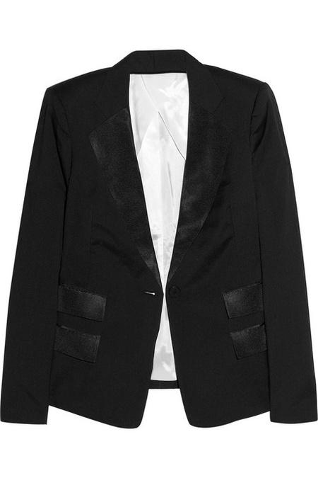 Egy csinos zakó, 230 euróért (67 ezer forint). Biztos bele van írva, hogy Karl, az már majdnem Chanel, ugye.
