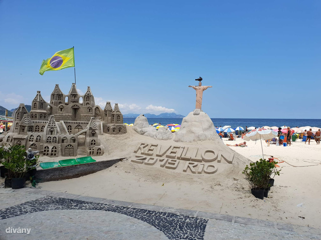 Teljes díszben a Copacabana strand, kezdődhet a mulatság!