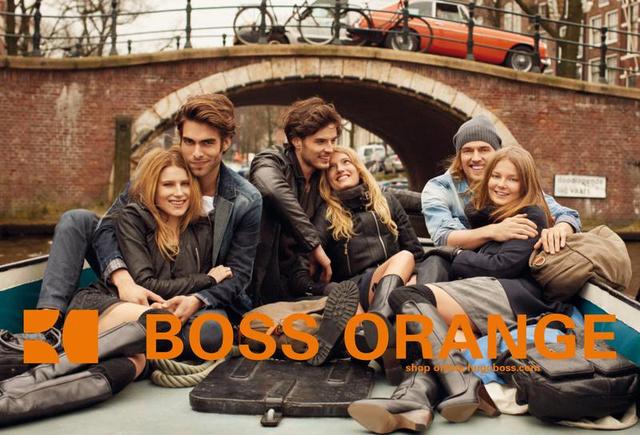 A Boss Orange kampányában Mihalik Enikővel pózolt.