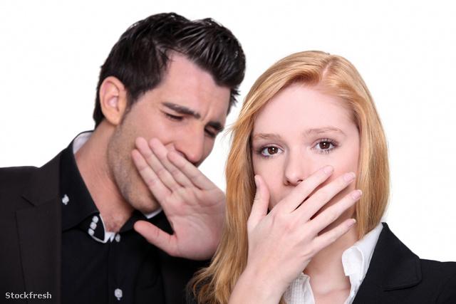 stockfresh 1441134 couple-yawning sizeM