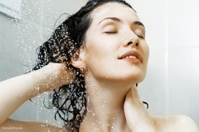 stockfresh 326812 girl-at-the-shower sizeM