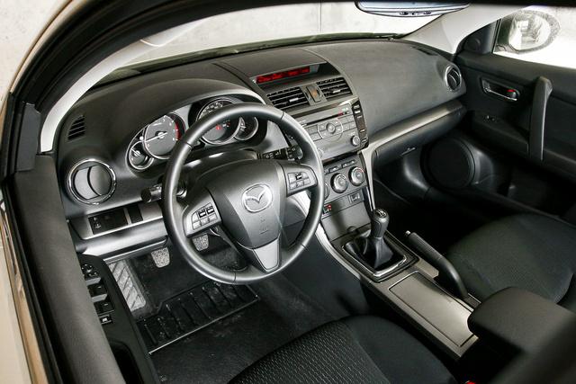 Korrekt, de nem több a Mazda-design