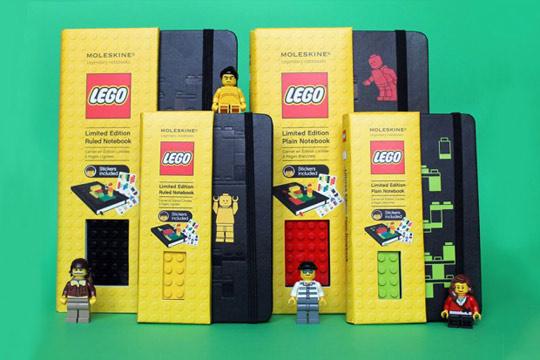 Lego Moleskine jegyzetfüzet 15 dollárért.