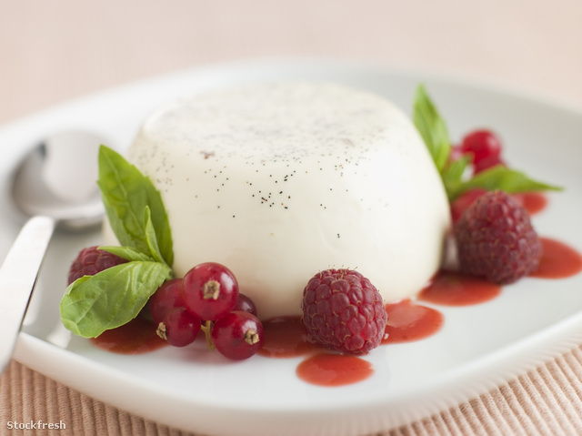 stockfresh 79359 vanilla-panna-cotta-with-raspberries-redcurrant