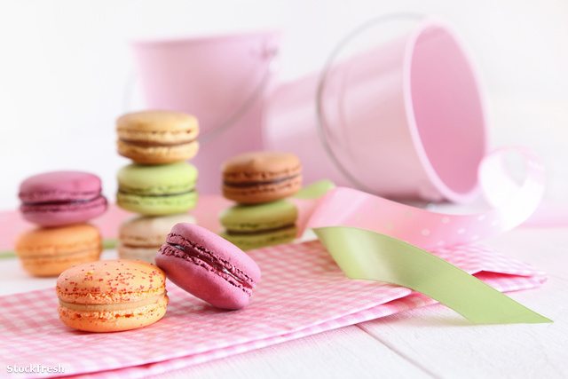 stockfresh 884999 delicious-french-macaroons-on-table sizeM