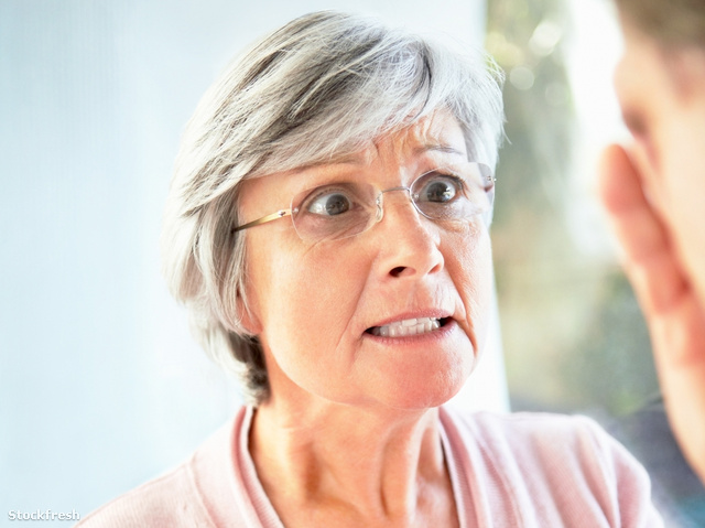 stockfresh 59072 elderly-female-in-an-argument-with-a-man sizeM