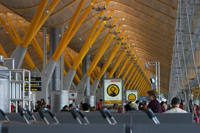 Madrid Barajas Airport (T4) - LEMD - 20060507