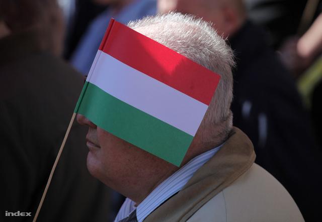 Lukács Péter, az MSZP Komárom-Esztergom megyei elnöke elismerte, hogy az MSZP nem akármilyen hibákat követett el, de ezeket még egyszer nem fogják elkövetni.