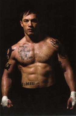 Tom Hardy a 2011-es Warrior (A végső menet) című filmben. Már itt rendesen rágyúrt