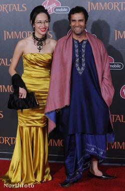 Tarsem Singh és barátnője 2011. novemberében, a rendező előző filmjének (Halhatatlanok) bemutatóján