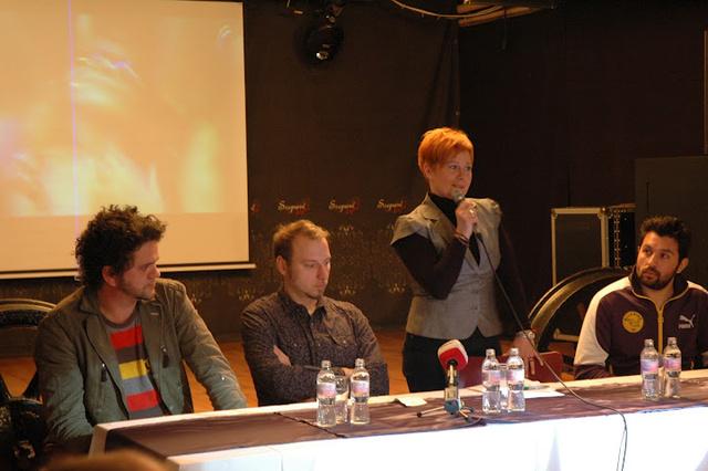 Kara Misa (Magna Cum Laude), Szepesi Mátyás (ZP programigazgató), Kővári Zsuzsanna (ZP ügyvezető) és Mező Misi (Magna Cum Laude) a sajtótájékoztatón