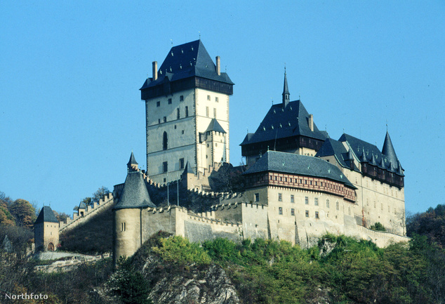 Karlstejn gótikus kastélya