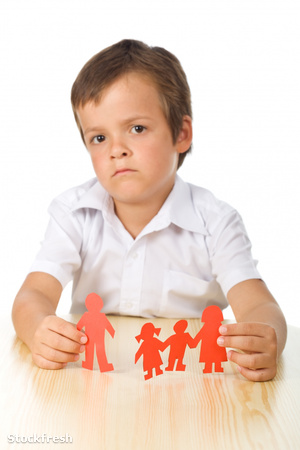 stockfresh 803950 divorce-concept-with-sad-kid-focus-on-hands si