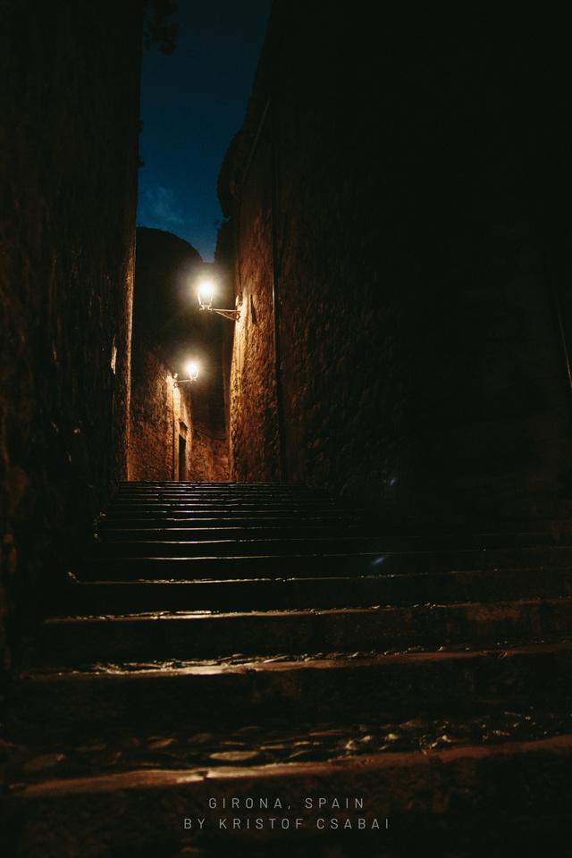 Ez itt inkább a horror! A sötétben nyugvó beugrók elindítják az utazó fantáziáját.