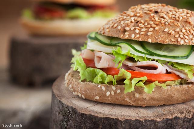 stockfresh 1651518 delicious-sandwich sizeM