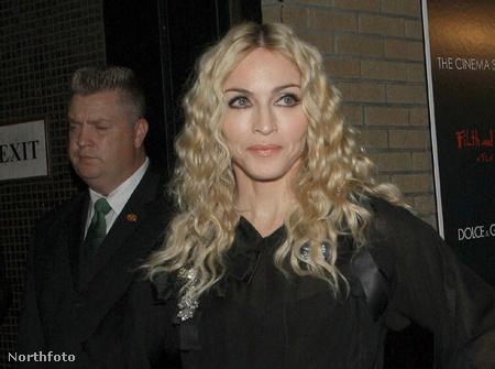 Madonna legfeljebb a kortalanokkal hajlandó közösséget vállalni, az idősebbekkel nem