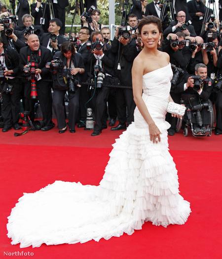 Eva Longoria a 2010-es Cannes-i filmfesztiválon Pucciban