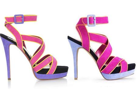 Balra Louboutin, jobbra Jessica Simpson - klikk a képre a többi cipőhöz!