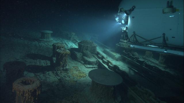 Mir-explores-Titanic