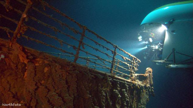 A Mir a Titanic felett Cameron dokumentumfilmjében