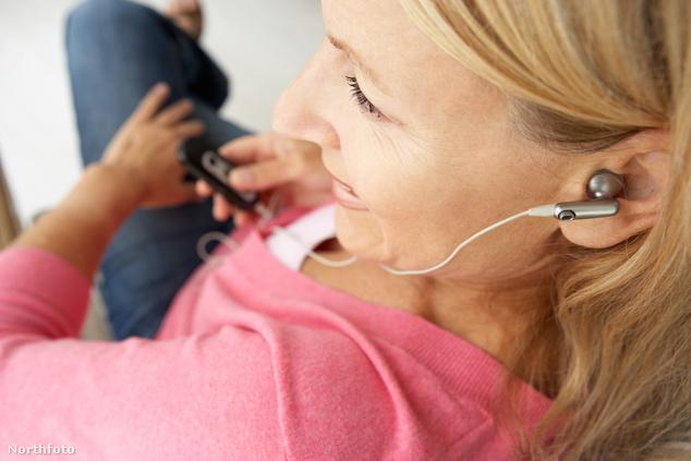 A fülbe dugható fülhallgatók a leg alkalmasabbak a szabályszegéshez.