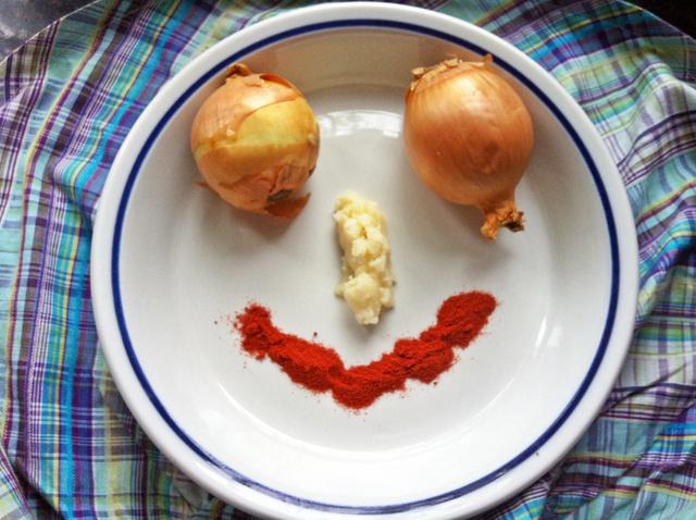 Hagyma, zsír, paprika