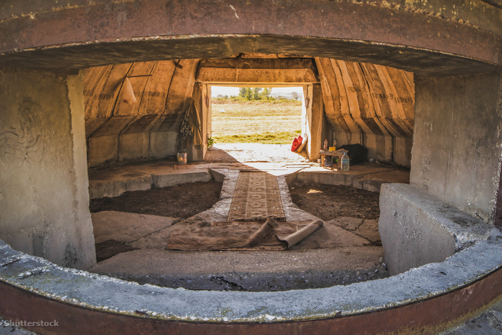 Egy menedékként használt PZ típusú bunker belseje