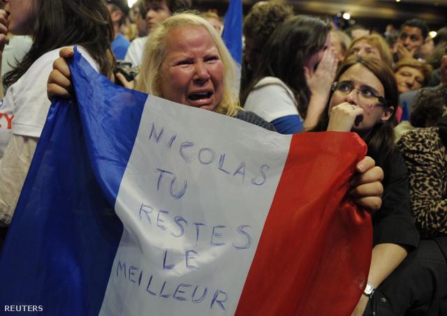 """""""Nicolas, te maradsz a legjobb"""" - zokog egy Sarkozy-hívő"""