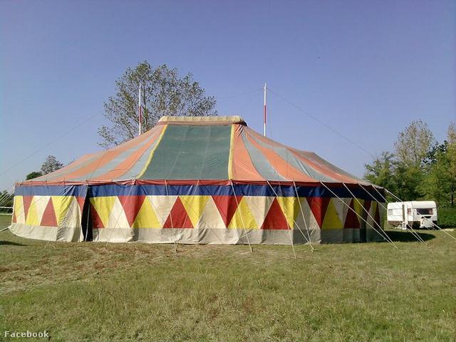 Az Evadro cirkusz sátra