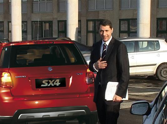 Lázár Jánosnak korábban sok gondja volt az autójával. Problémáját egy SX4 beszerzésével oldotta meg! Stb., stb., stb.