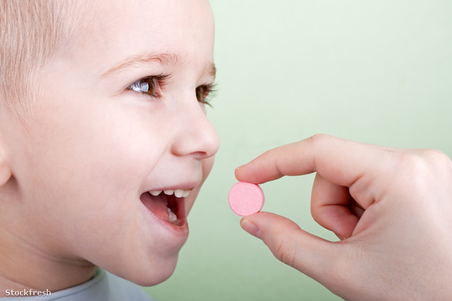 stockfresh 153247 child-pill sizeM