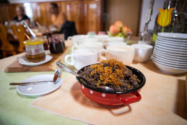 Hajdina-gánica töpörtyűvel. Elképesztően finom és tartalmas étel.