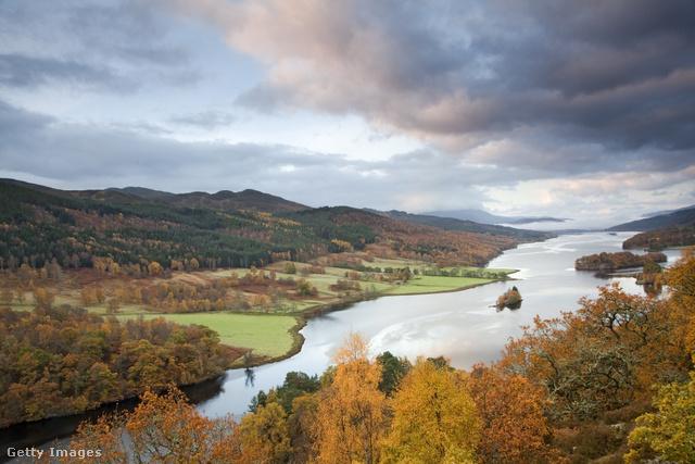 A skót FelföldSkócia rendre a legszebb országok listájának élén végez. Ősszel különösen csodálatos, de annak, aki igazi pompájában szeretné élvezni, a Felföld felé kell vennie az irányt.