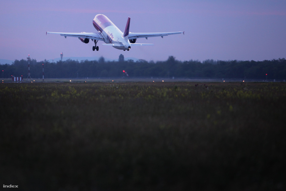 És elment a Wizz Air utolsó gépe.