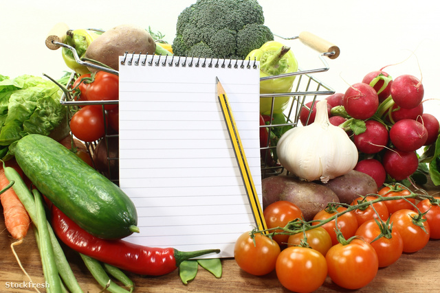 stockfresh 1639407 shopping-list-with-basket-and-vegetables size