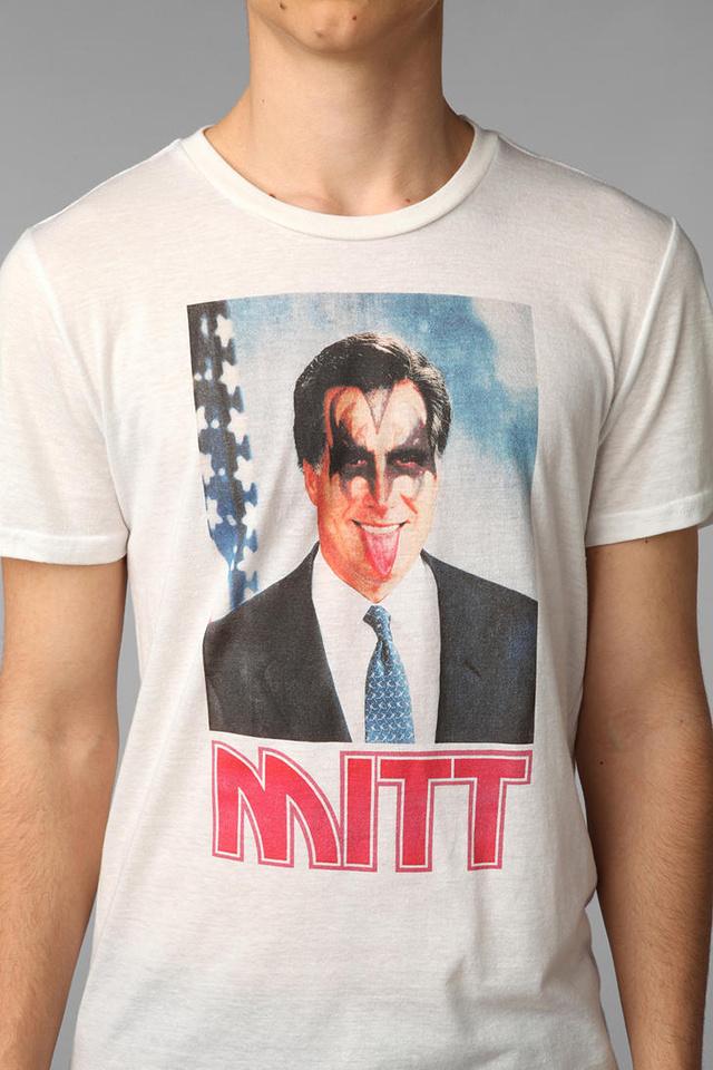 'Mitt' póló az Urban Outfitterstől