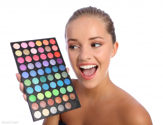 stockfresh 1287118 excited-girl-cosmetics-eyeshadow-colour-palet