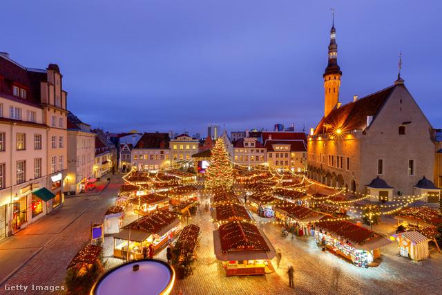 Az European Best Destinations 2019-es szavazásán az észt főváros, Tallinn nyerte el a legjobb európai karácsonyi vásárnak járó címet. Az óvárosi, történelmi épületekkel övezett helyszín arról is híres, hogy 1441-ben itt állítottak először közösségi karácsonyfát a világon. Az egyedülálló hangulatú vásáron nemcsak különféle kézműves termékek és karácsonyi finomságok közül lehet válogatni, a gyerekek körhintázhatnak és találkozhatnak a Mikulással is.