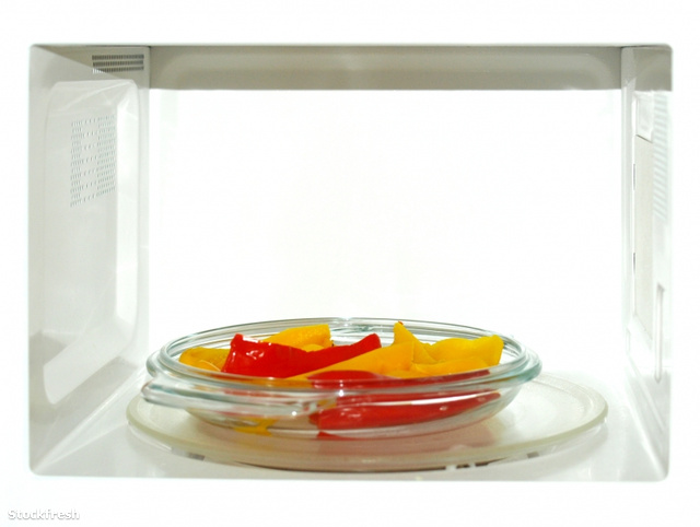 stockfresh 683329 microwave-with-peppers sizeS
