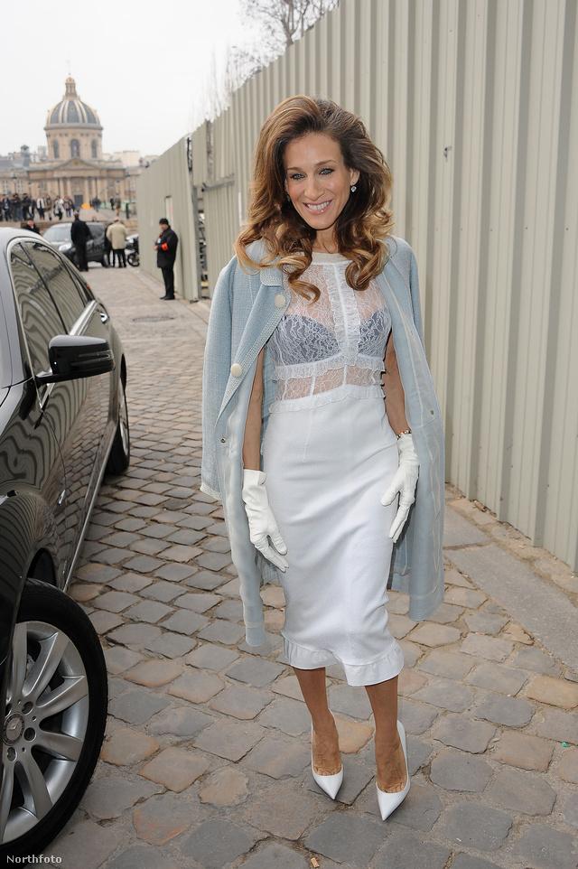 Sarah Jessica Parker a Louis Vuitton párizsi bemutatóján.