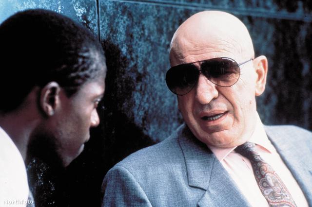 Telly Savalas a Kojak című amerikai krimisorozatban