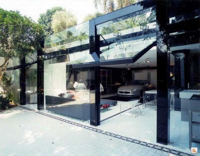 Modern-Live-In-Garage8-640x500