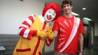 A McDonald's eteti az olimpikonokat
