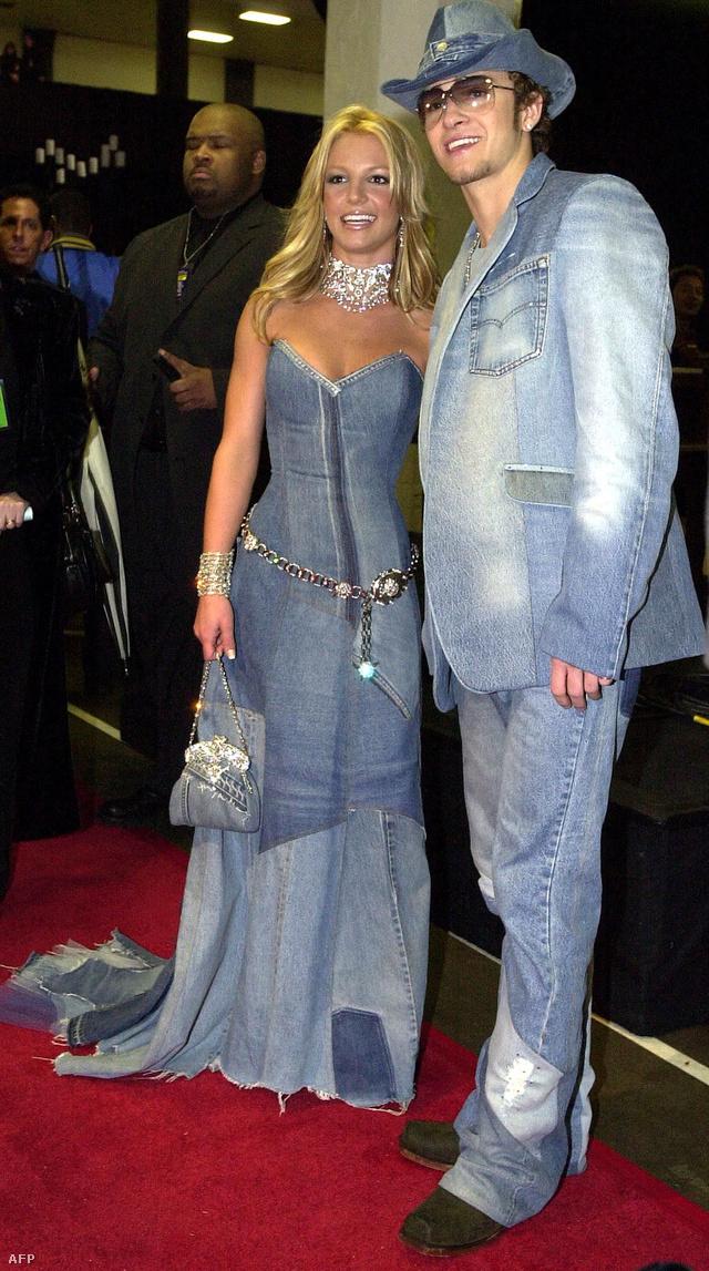 Britney Spears és Justin Timberlake 2001-es túlzásba esése