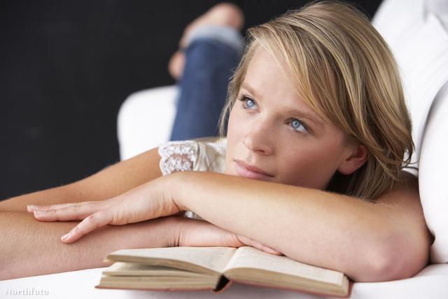 Burkeman szerint az önsegítő könyvek csak ábrándozásra tanítanak, és passzívvá tesznek