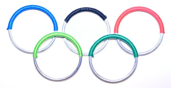 Peace-Bomb. olimpiai karikás karkötő 20.500 forintért.