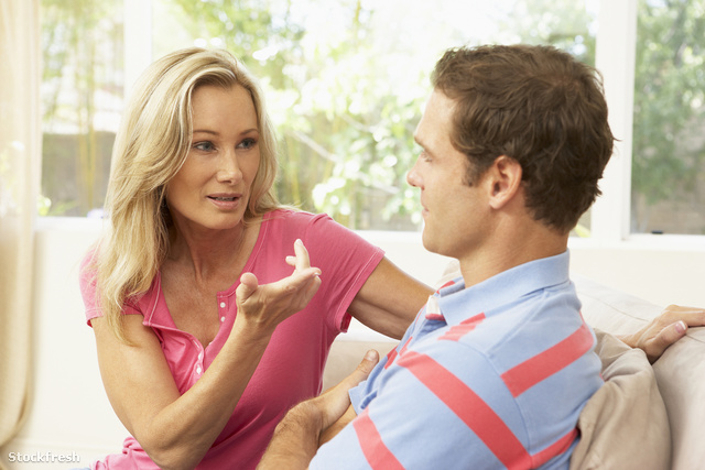 stockfresh 98209 couple-having-arguement-at-home sizeM