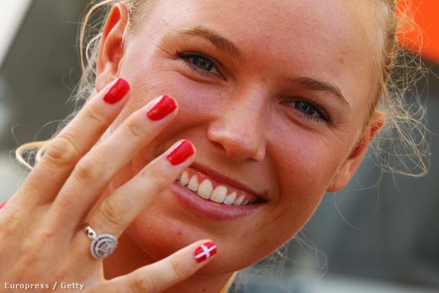 Caroline Wozniacki dán teniszező visszafogottan ünnepli országát